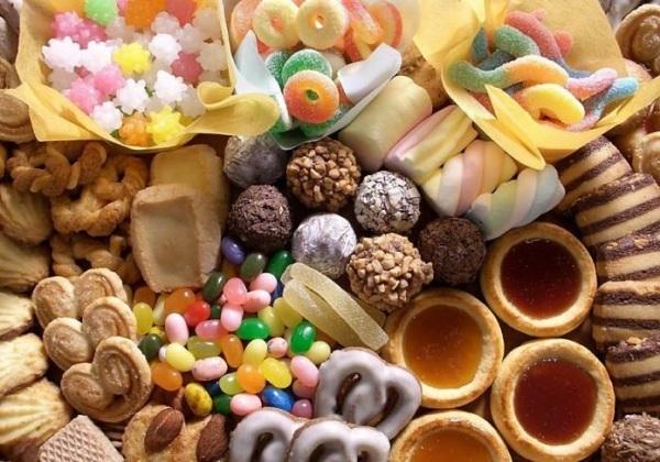 Kết quả hình ảnh cho ăn đồ ngọt