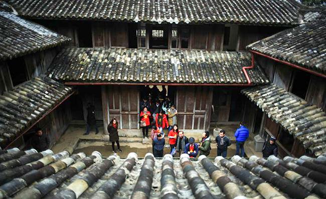 Hà Giang đề nghị Bộ Văn hóa cho xây dựng lại khu nhà ở dinh thự vua Mèo
